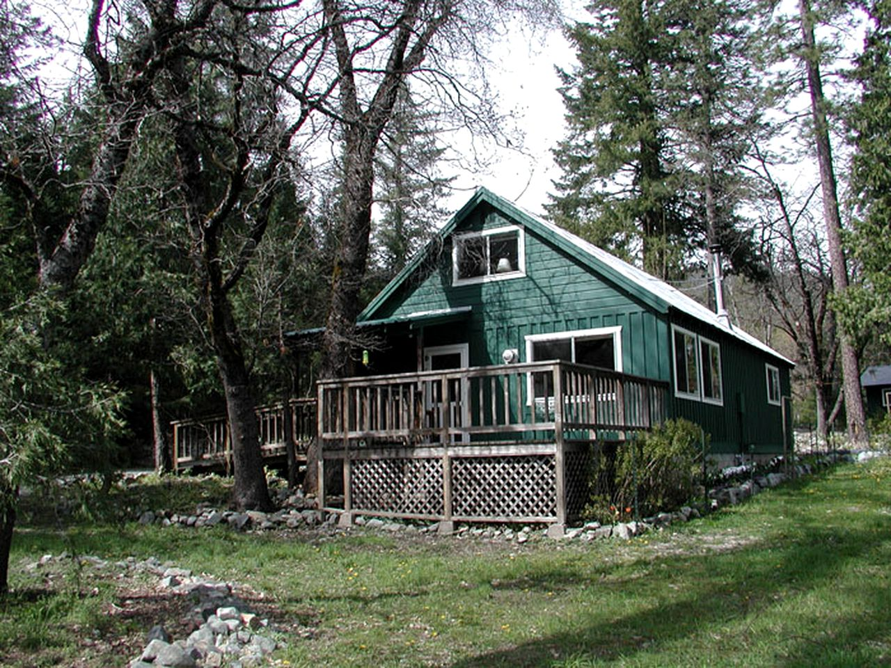 Cabins (Trinity Center, California, United States)