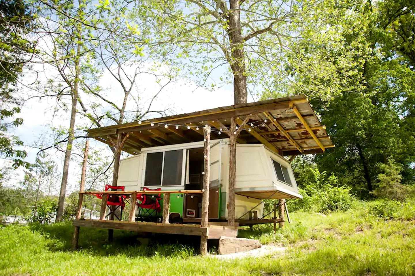 Camper rental for glamping in Missouri
