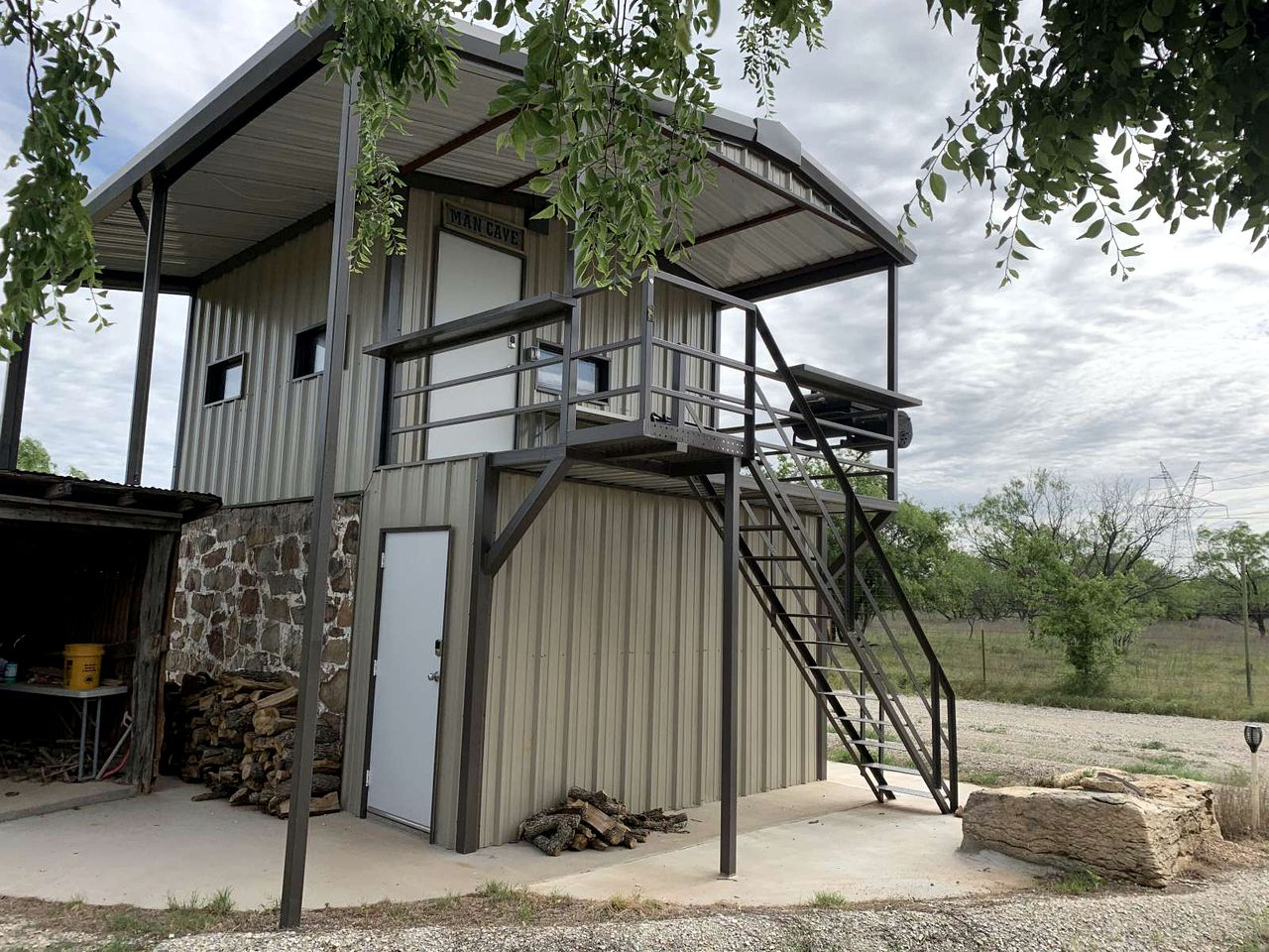 Go glamping in Texas at this cabin rental!