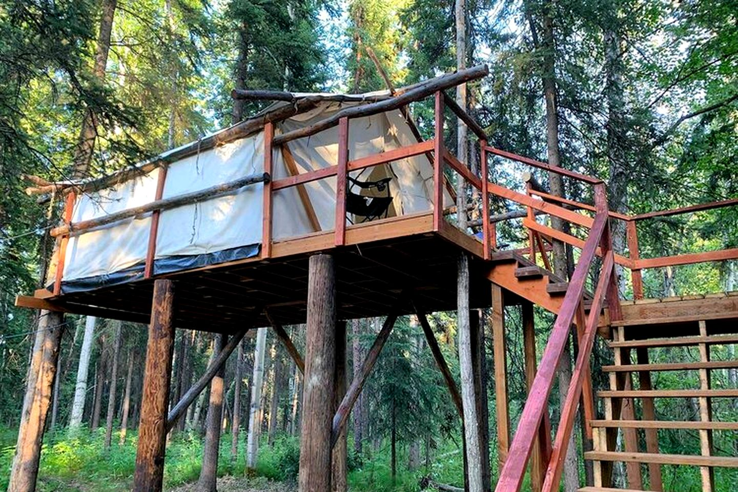 This Fairbanks accommodation is great for glamping in Alaska