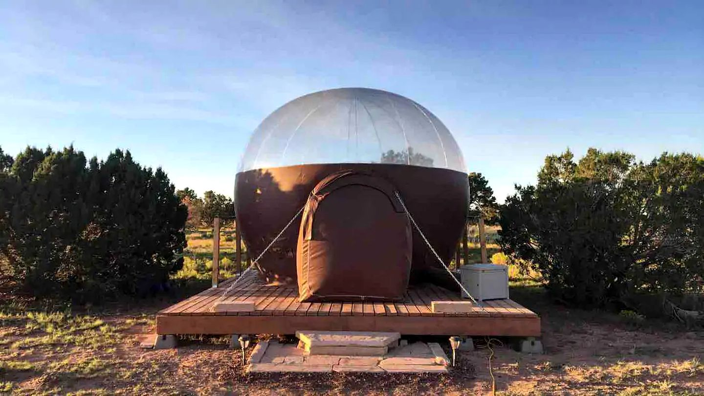 This fantastic bubble is perfect for a romantic getaway near the Grand Canyon.