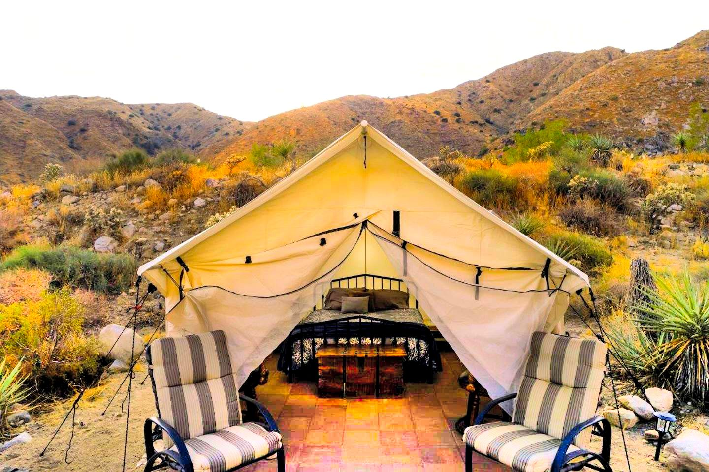 This Morongo Valley accommodation is perfect for a romantic getaway in California