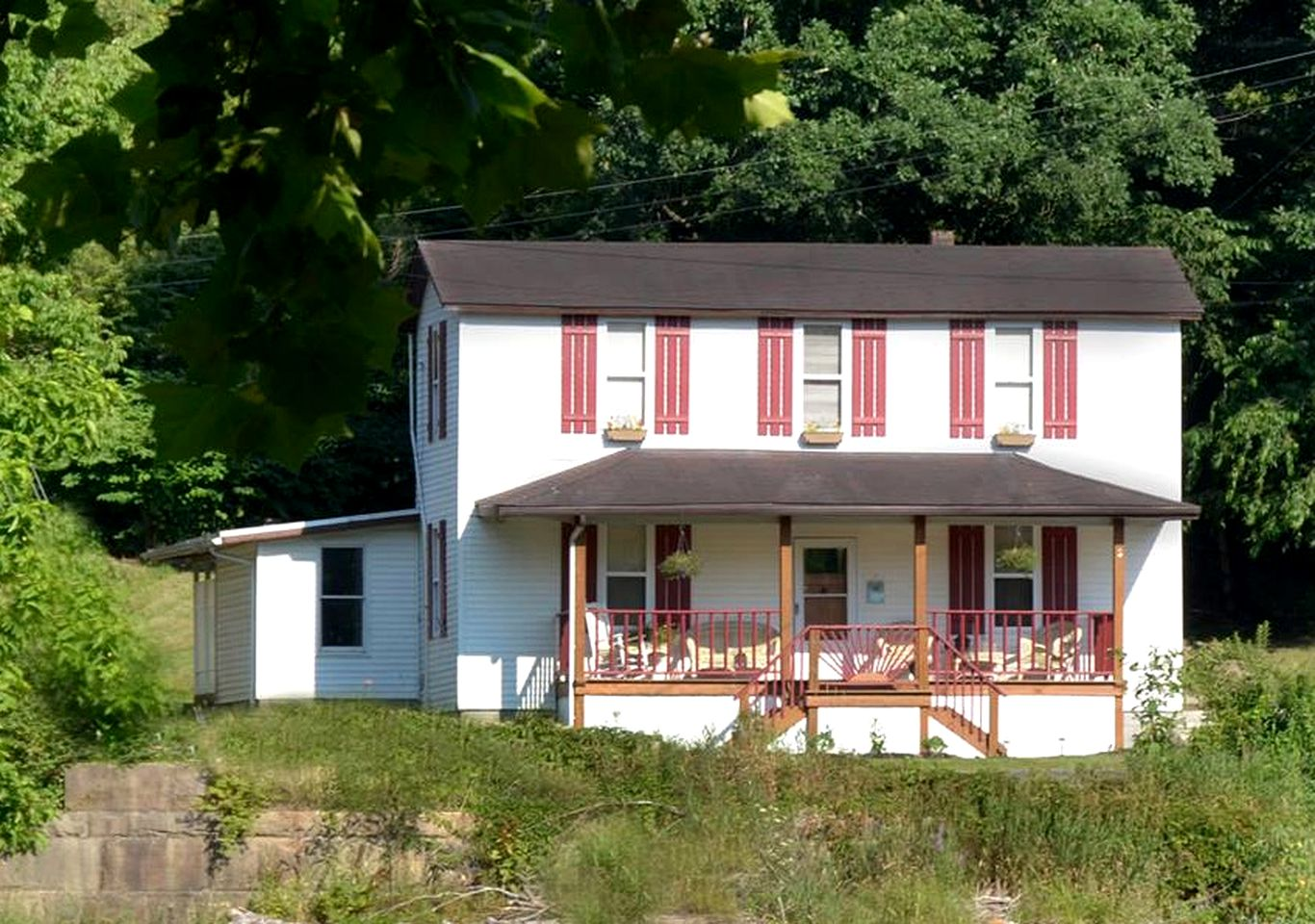 This Appalachian mountain cabin rental  is perfect for West Virginia family vacations