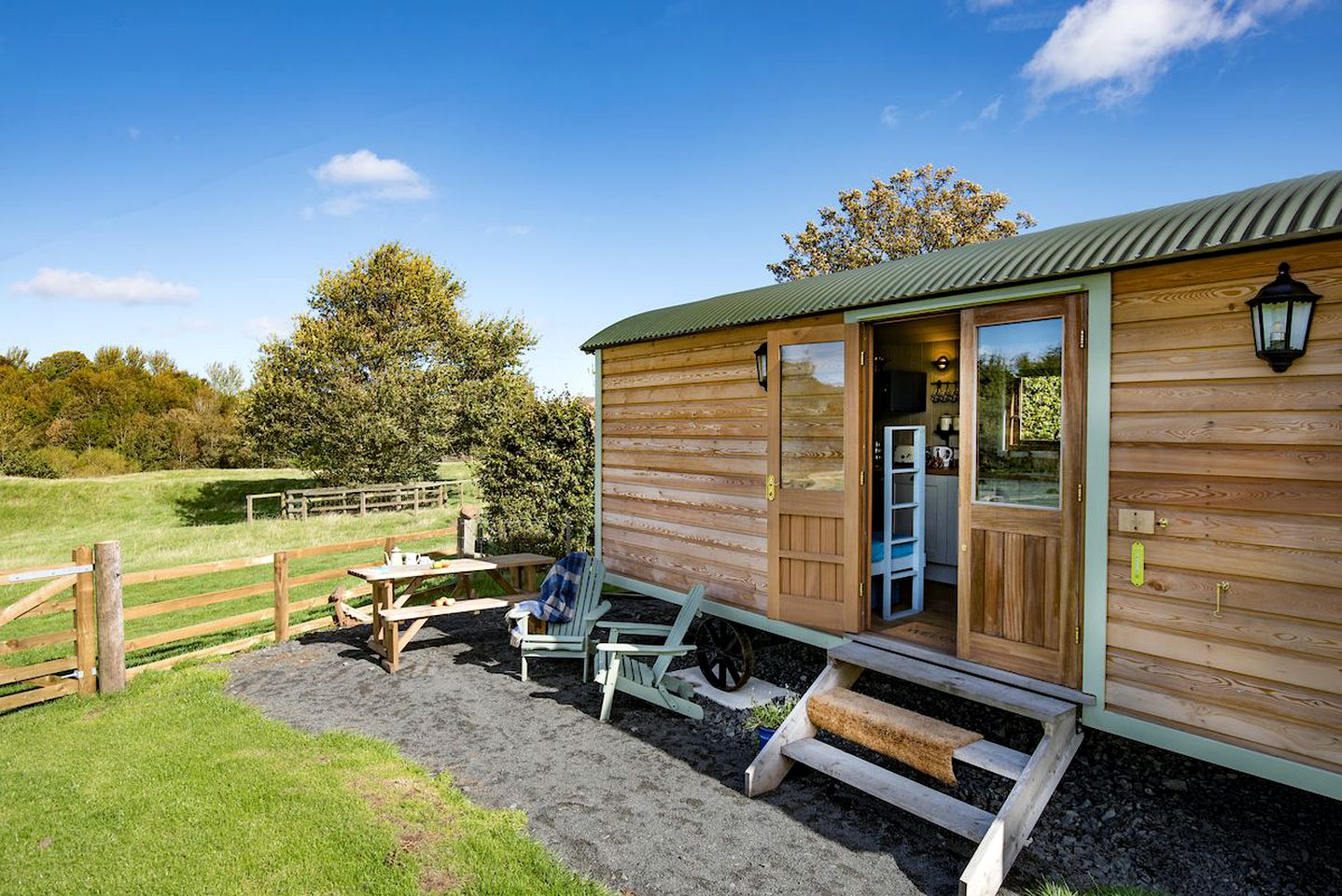 Shepherd's hut rental for glamping in England