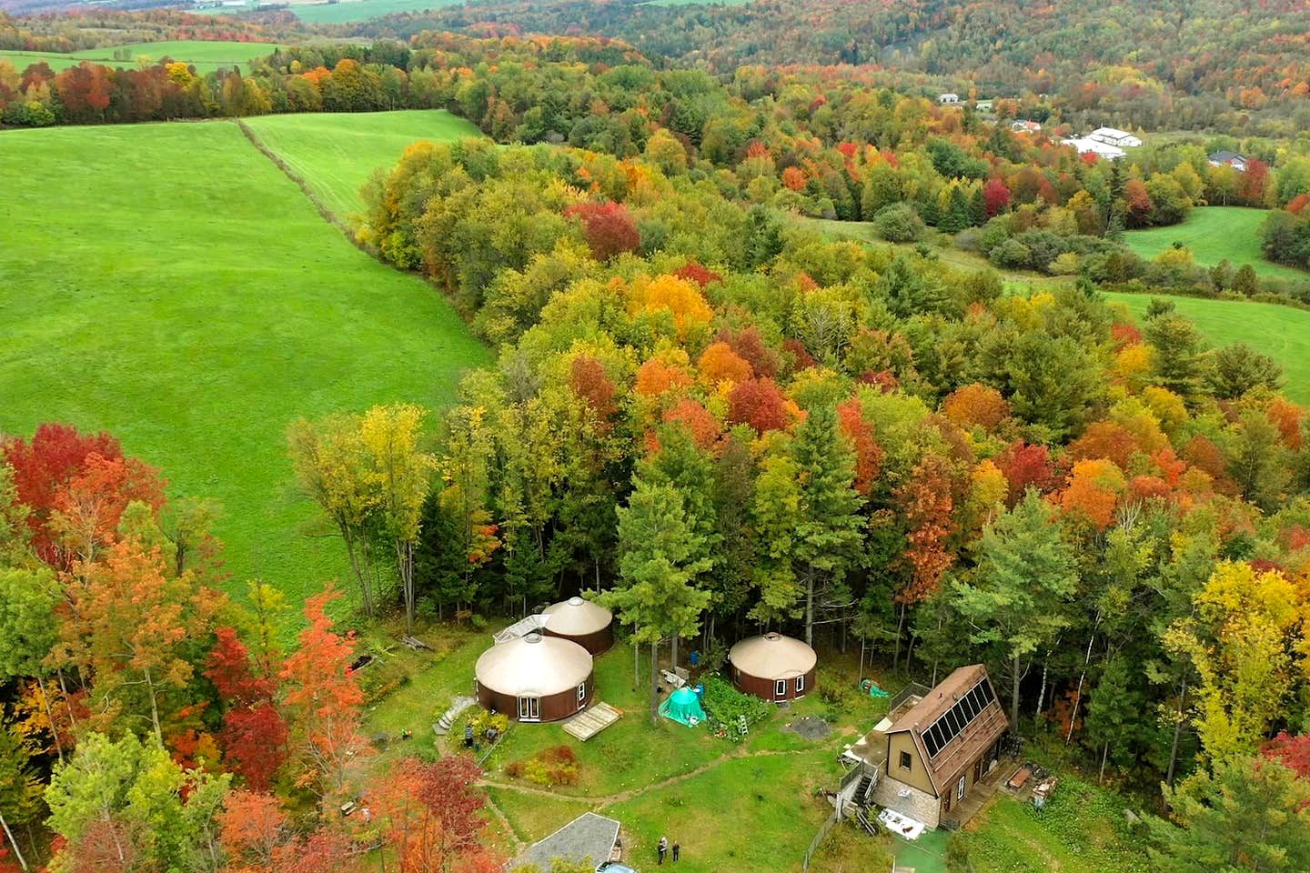 This cabin rental in Coaticook is great for Quebec holidays
