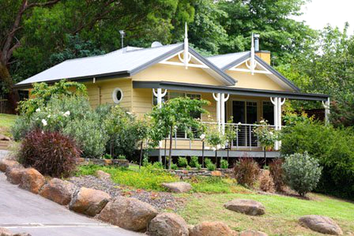 Cottages (Yarra Valley, Victoria, Australia)