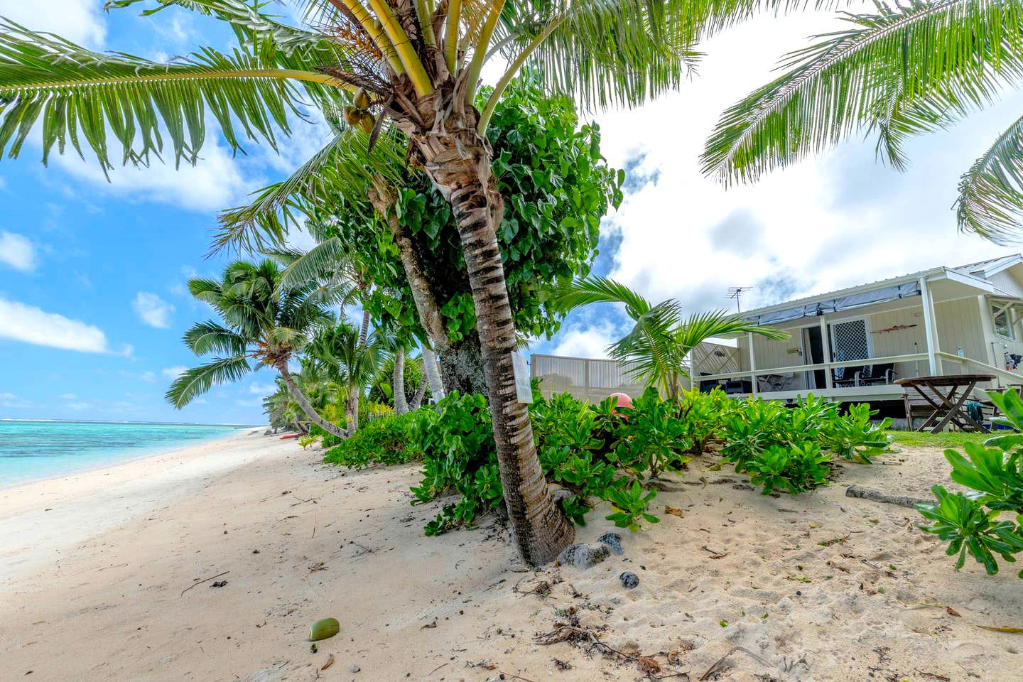 Beach Houses (Avarua, Rarotonga, Cook Islands)