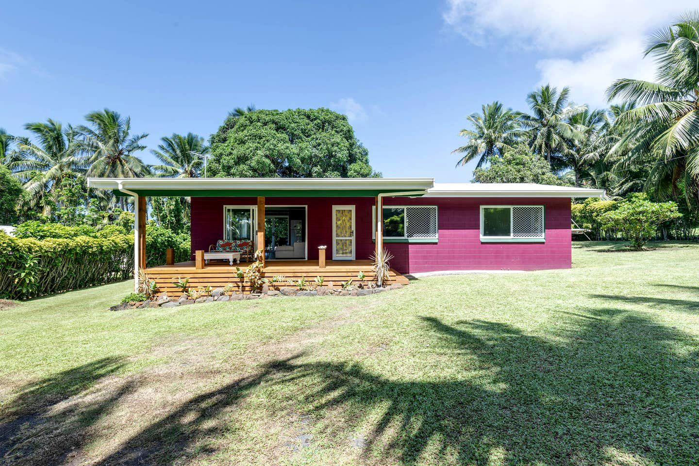 Cosy beach cottage for a family to enjoy their Cook Islands holidays