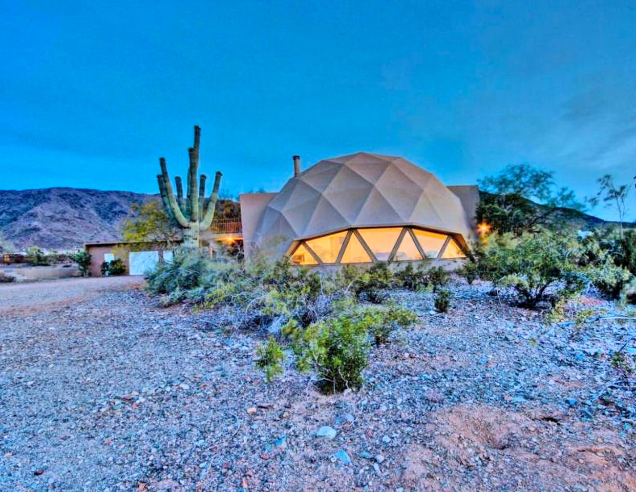 Domes (Laveen Village, Arizona, United States)