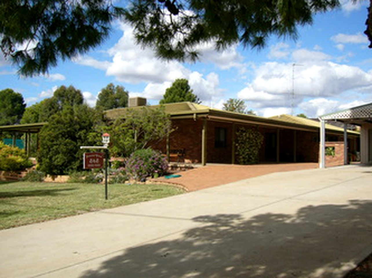 Cottages (Forbes, New South Wales, Australia)