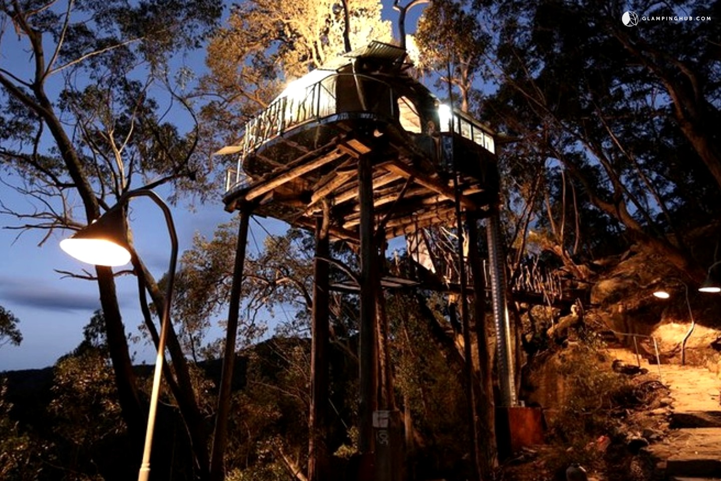 luxury tree house australia