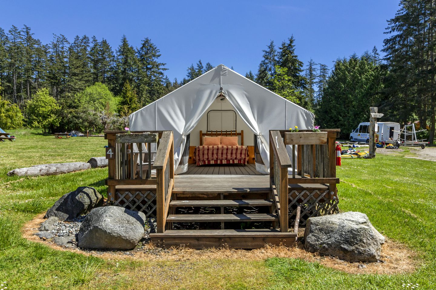 Tents (Eastsound, United States)