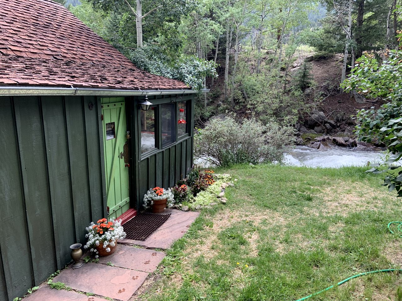 Go glamping! Colorado cottage rental sits by the river