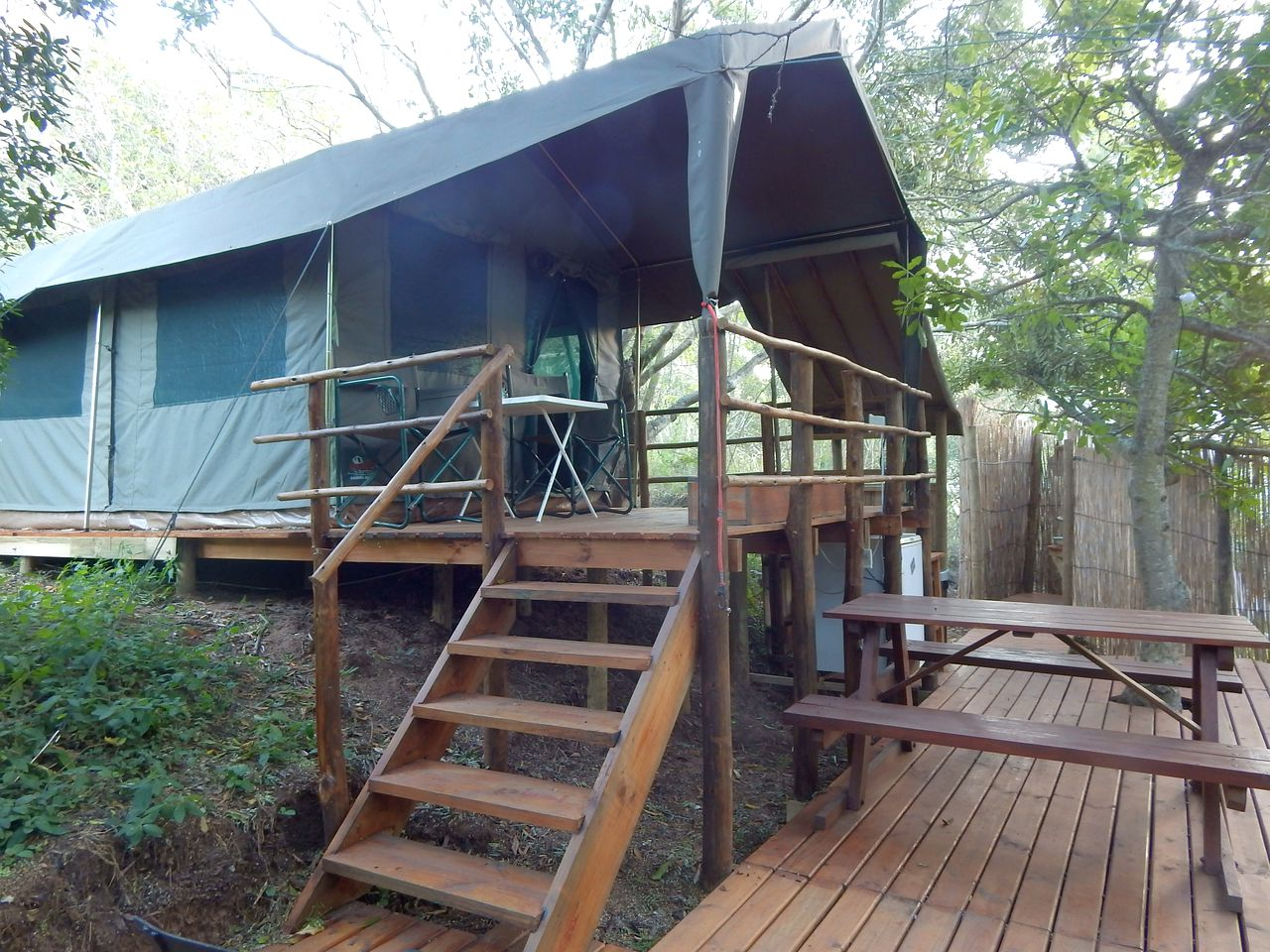 Great safari tent rental for a small family to go glamping in Western Cape