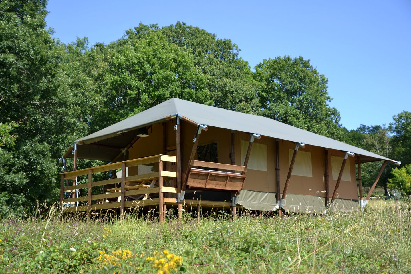 This amazing safari tent rental is ideal for glamping in France