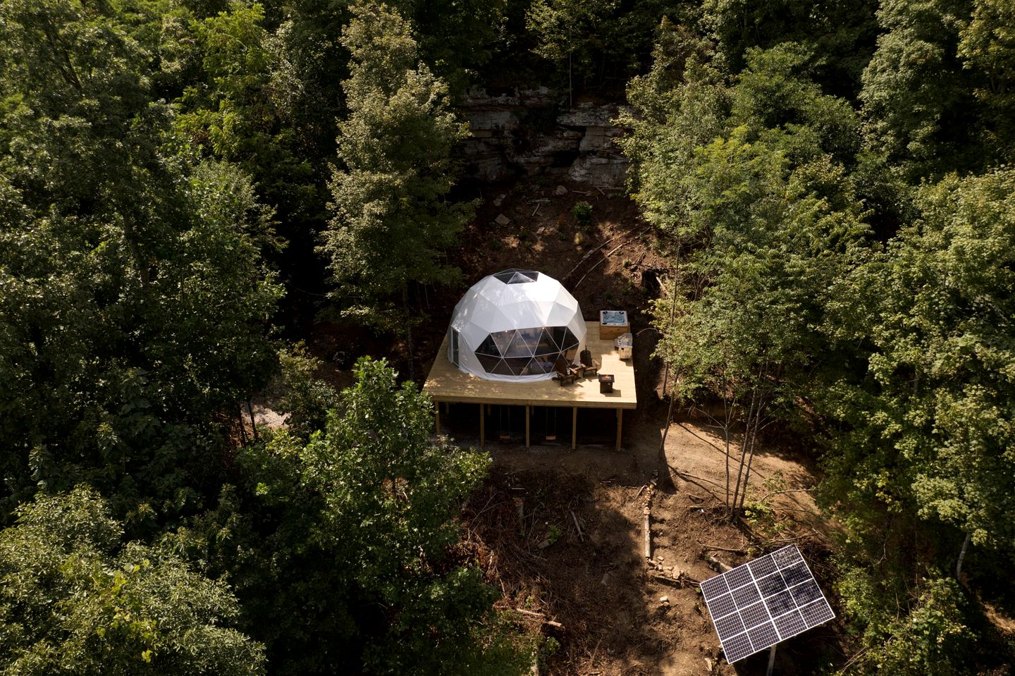 Go glamping in Tennessee in this geodesic dome house!