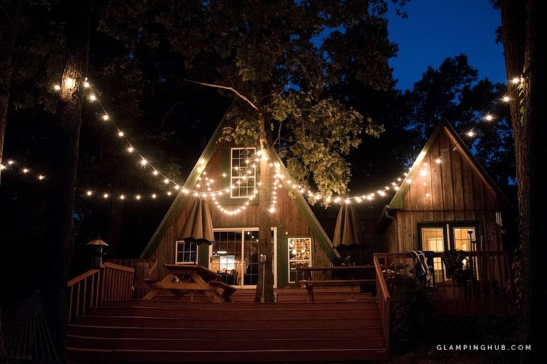 Rustic 18 Person Cabin Rental On Lake Sam Rayburn For Staycation Near Houston