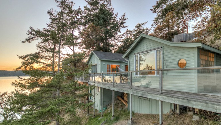 Marvelous Secluded Waterfront Cottage With Amazing Views On Orcas Island Washington Download Free Architecture Designs Scobabritishbridgeorg