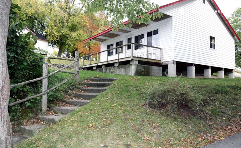 Swell Four Bedroom Cottage Rentals At Family Friendly Resort Next To Rice Lake Ontario Download Free Architecture Designs Embacsunscenecom