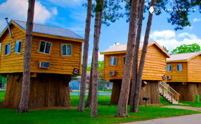 American Campground treehouse in Wisconsin Dells