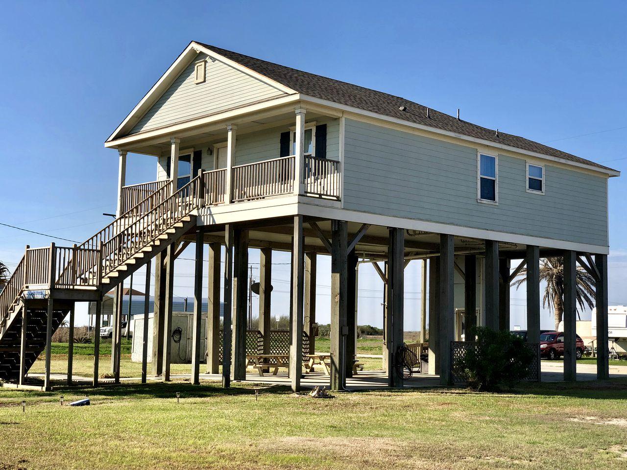 Beach Cabin Getaway In Gilchrist Texas