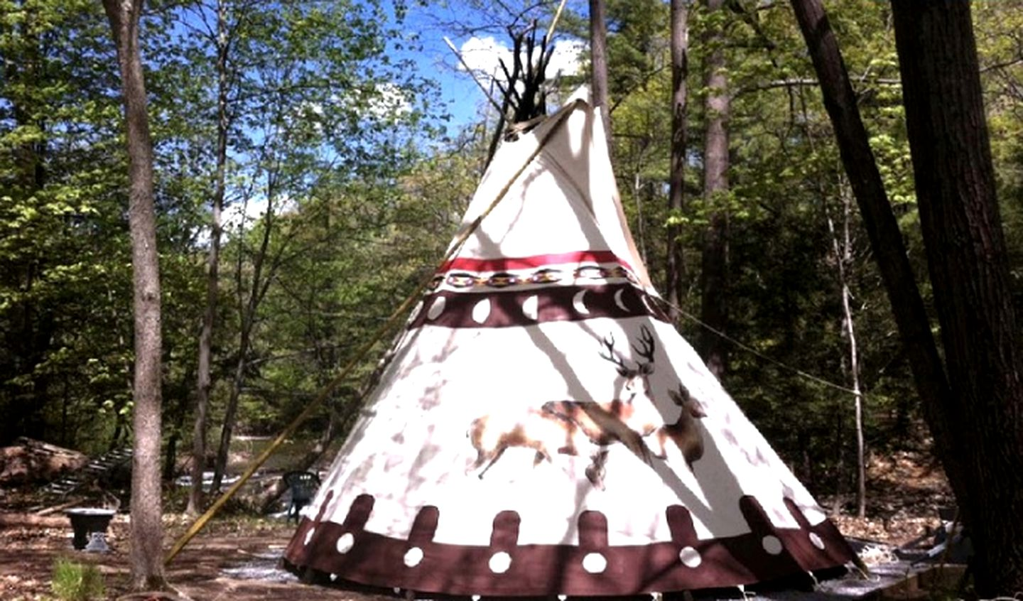 Tipis (Woodstock, New York, United States)
