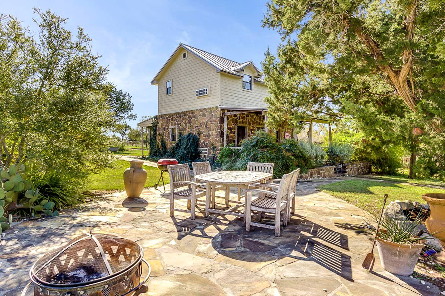 This Texas Hill Country vacation rental is ideal for weekend getaways near San Antonio