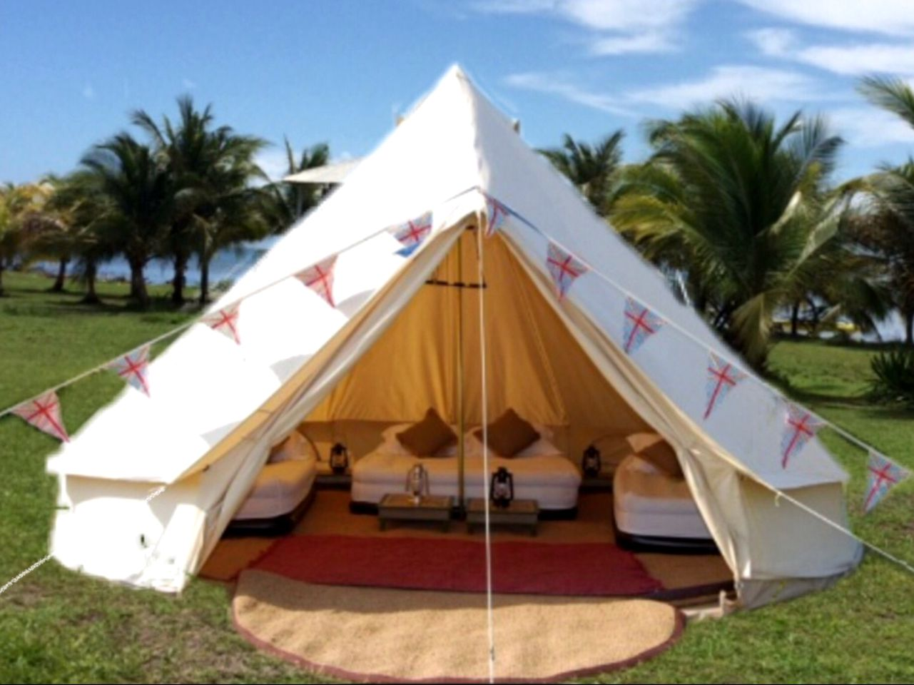 Bell Tents (South Water Caye, Stann Creek District, Belize)