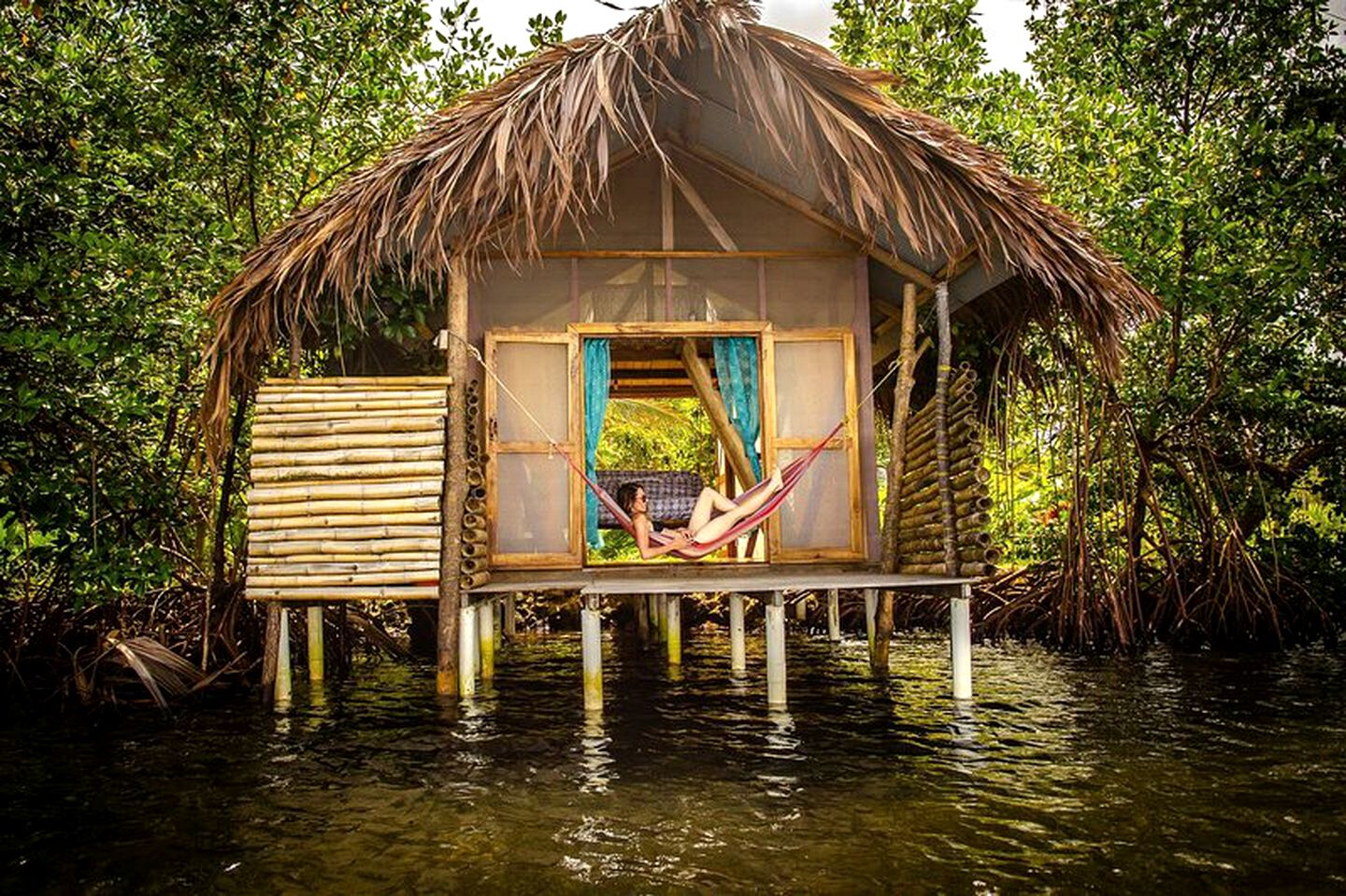 Waterfront cabin rental ideal for glamping in Panama