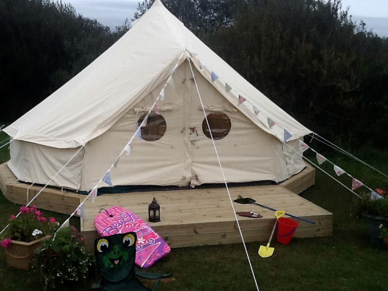 Bell Tents (Helston, England, United Kingdom)