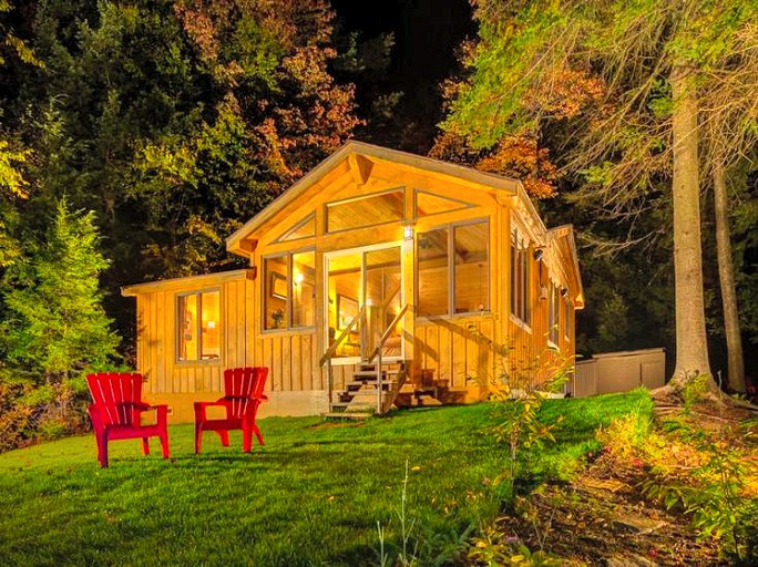 Gorgeous Cabin Rental for a Glamping Getaway in Upstate New York