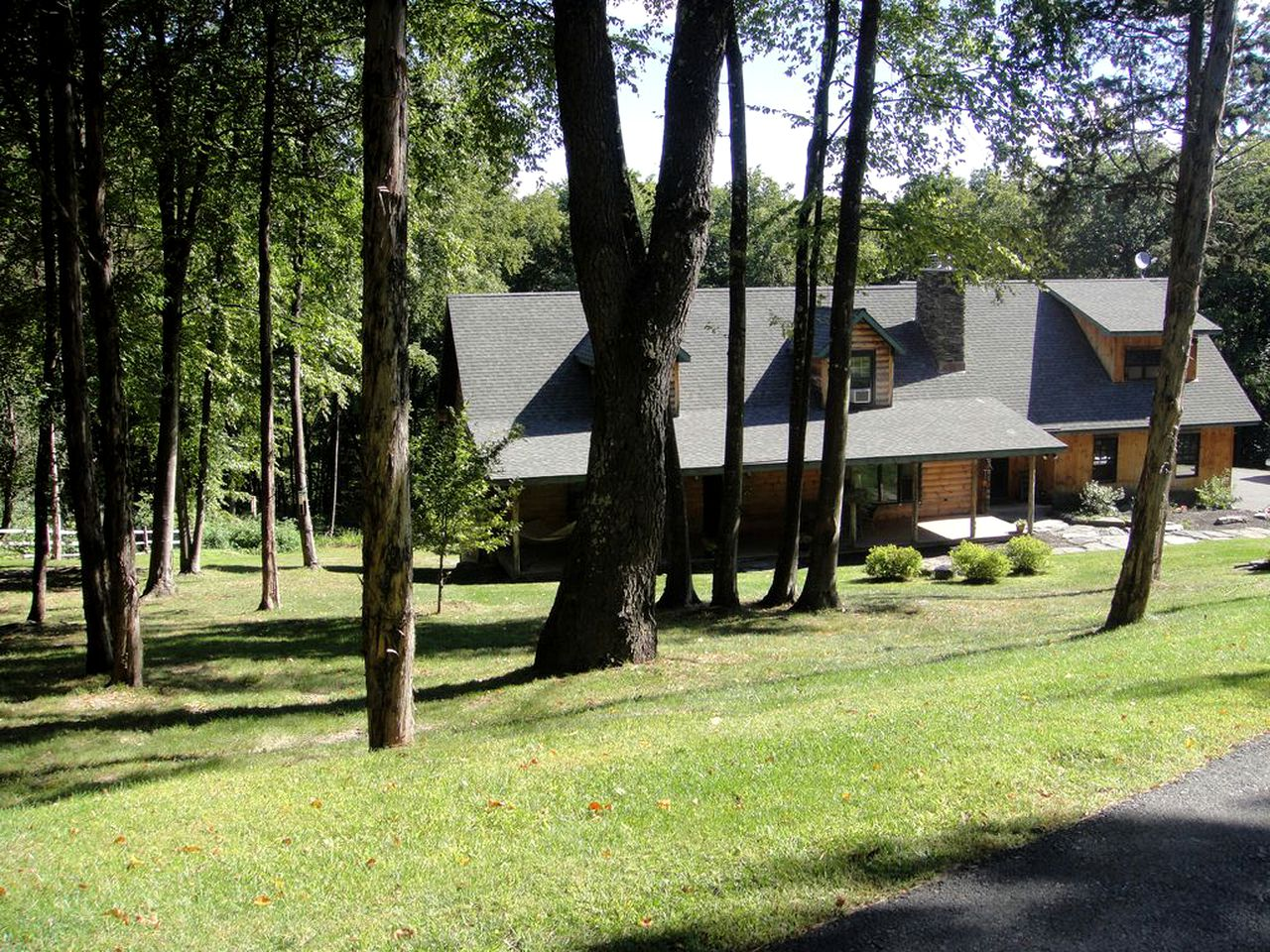 Log Cabins (Dover Plains, New York, United States)