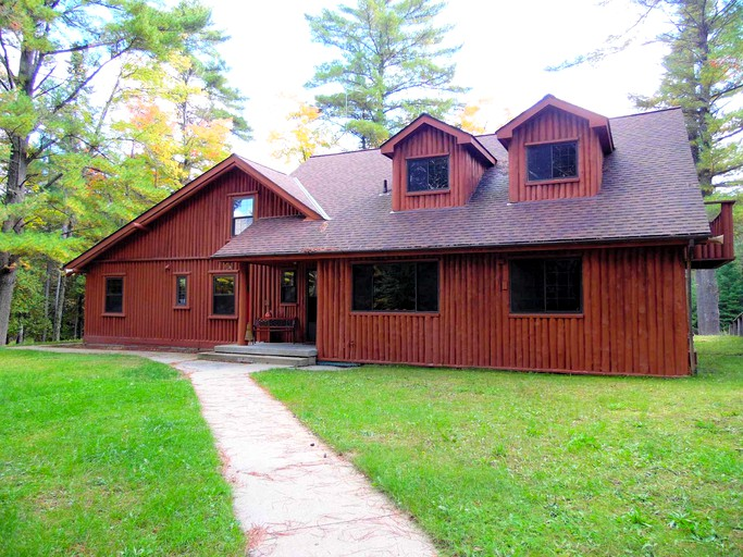 Astonishing Beautiful Log Cabin With A Sauna In Huron National Forest Michigan Download Free Architecture Designs Scobabritishbridgeorg