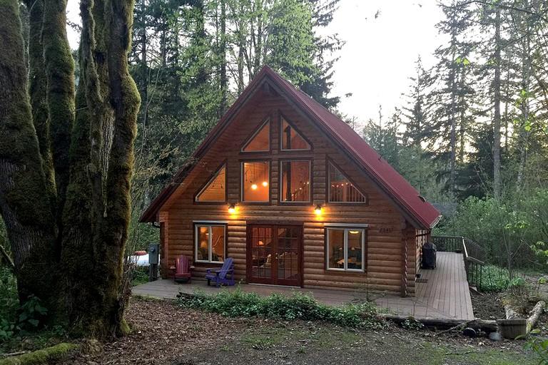 Amazing Beautiful Log Cabin With Pine Interior In Washington State Download Free Architecture Designs Scobabritishbridgeorg