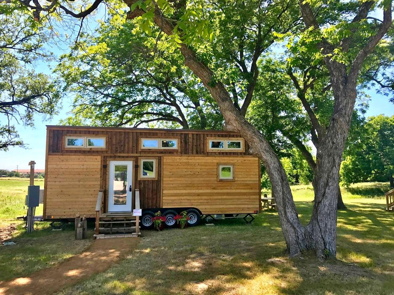 Beautiful Modern Tiny House for a Weekend Getaway in Waco, Texas