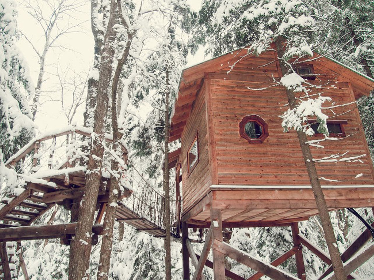 Tree Houses (Nominingue, Quebec, Canada)