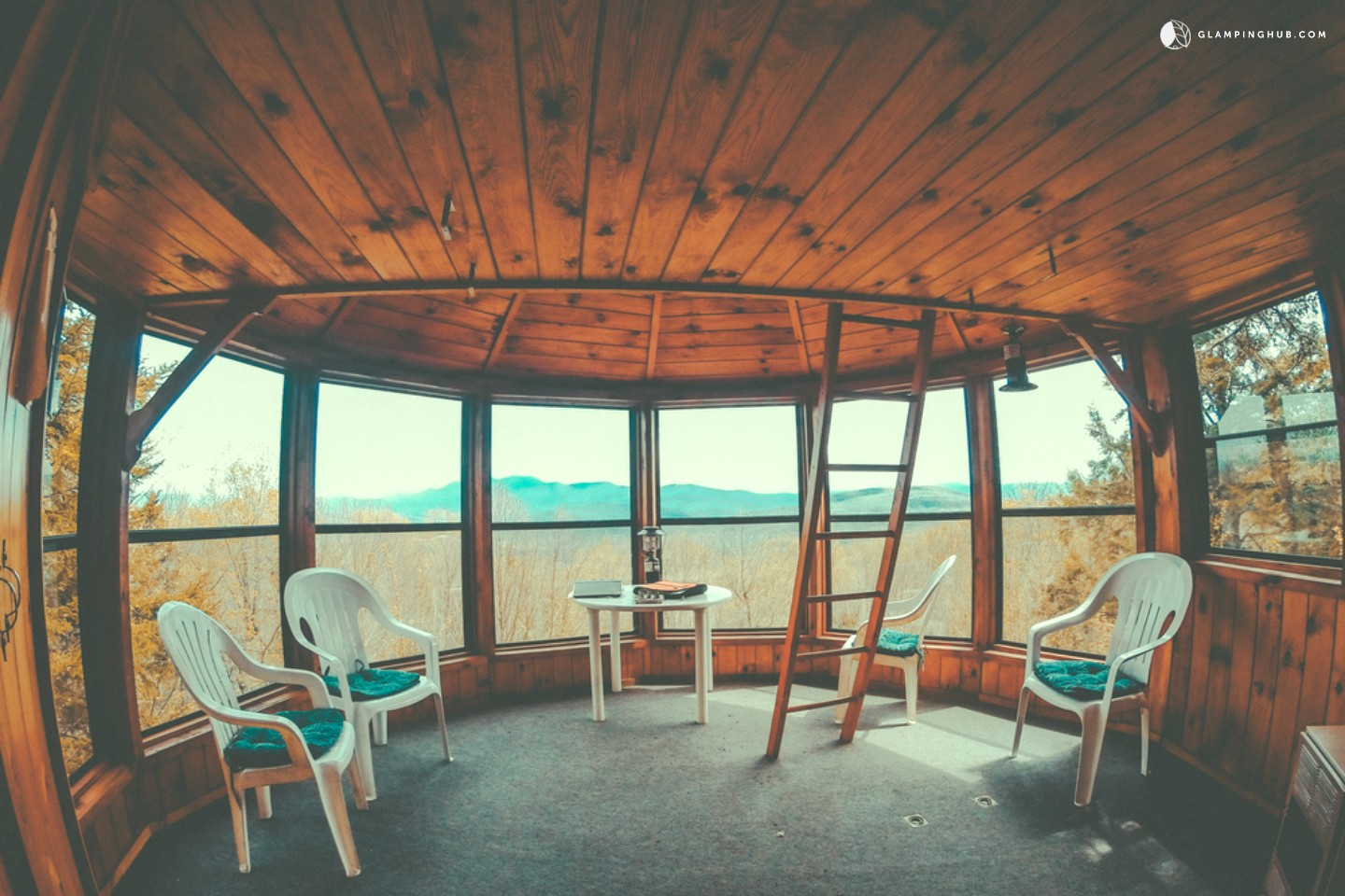 Tree House New England Glamping Treehouse New England