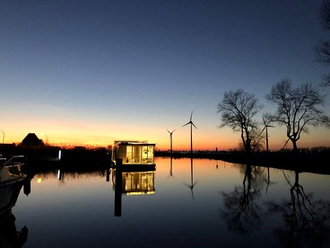 Floating Rentals | Floating Glamping | Floating Luxury Camping