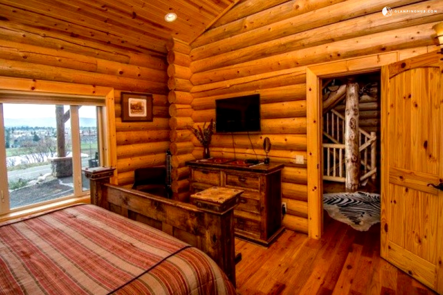 Log Cabin Rental In Pagosa Springs Colorado. Full resolution  portrait, nominally Width 1440 Height 960 pixels, portrait with #B74B06.