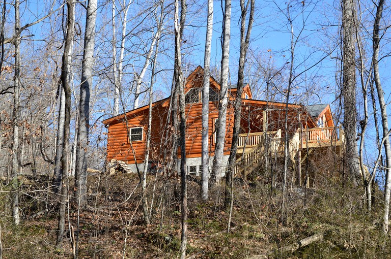 Pet Friendly Log Cabin With Gated Deck Near Asheville Nc