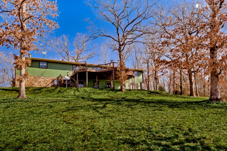 Ozarks Cabin Rental On Beaver Lake