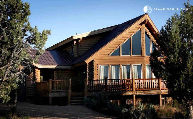 Luxury cabin near zion national park utah for Cabin rentals near zion national park