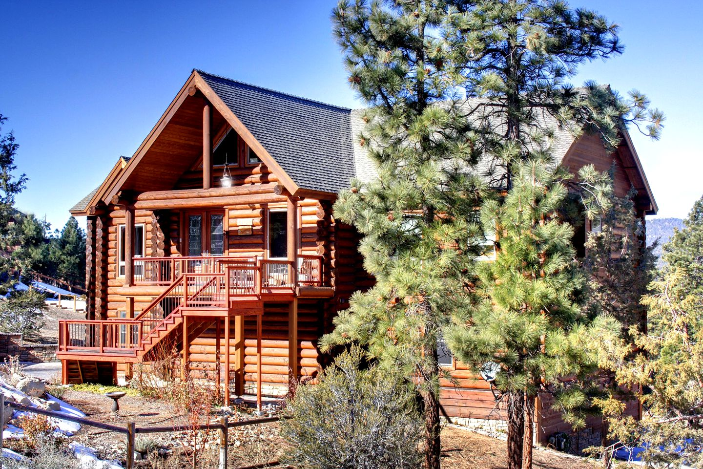 Log Cabins (Big Bear City, California, United States)
