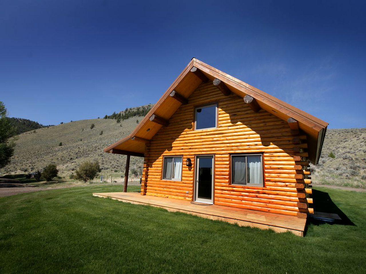 Log Cabins (Butte, Montana, United States)
