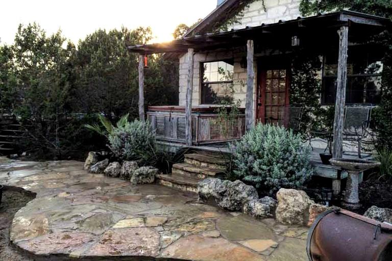 Romantic Getaway | Texas Hill Country | Glamping Hub