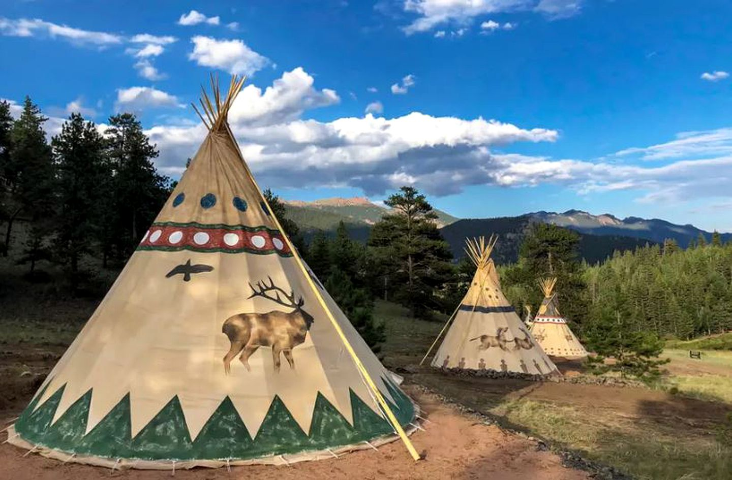 Tipis (Lake George, Colorado, United States)