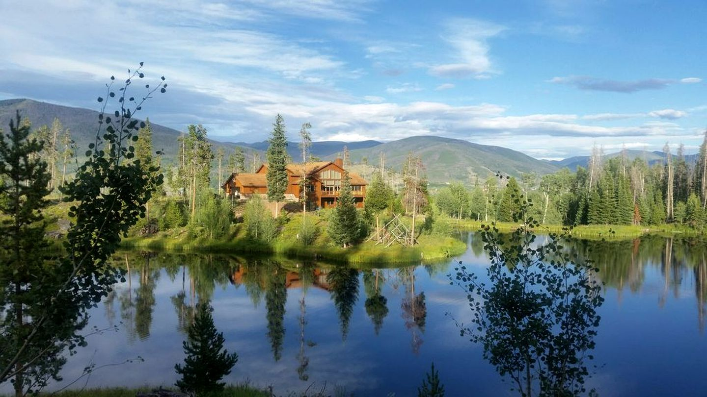Log Cabins (Silverthorne, Colorado, United States)