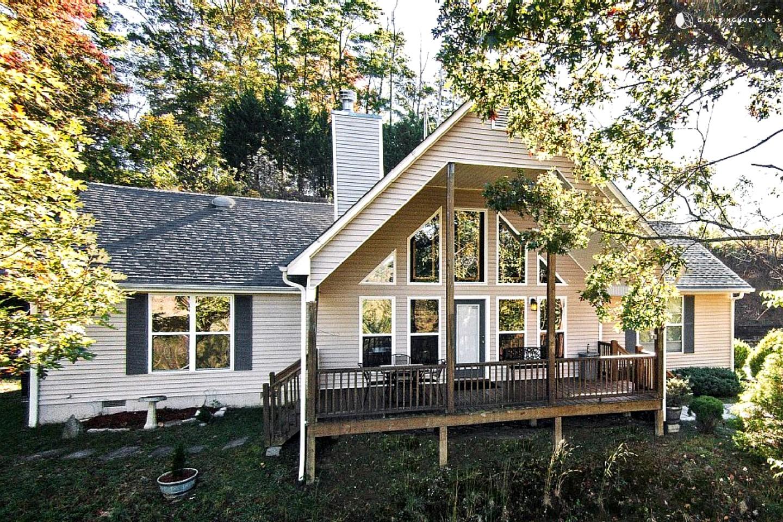 Luxury Cabin Rental Next To Tuckasegee River