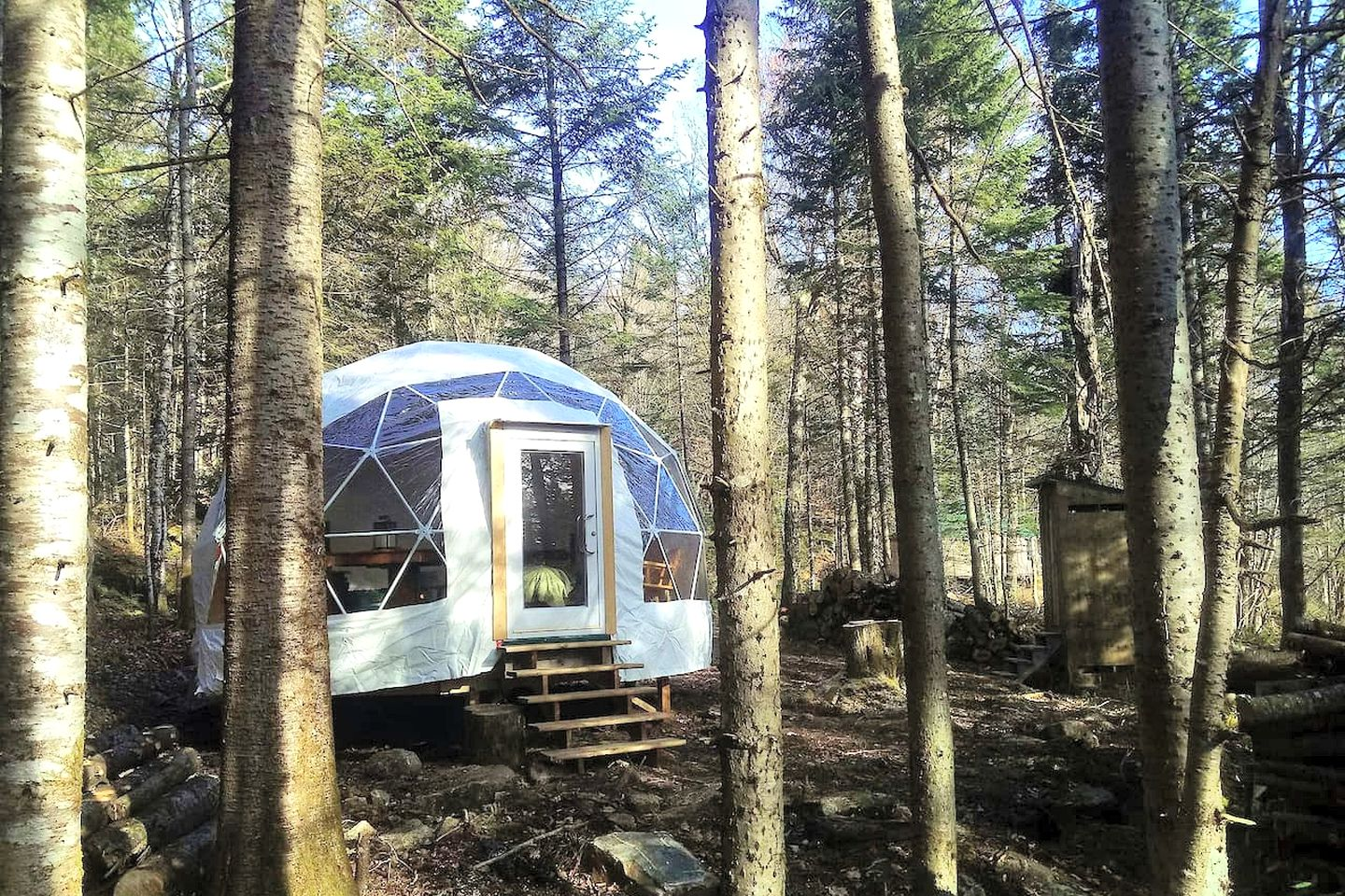 The dome rental for a great romantic getaway. Quebec glamping sites don't come more perfect for luxury camping in Canada