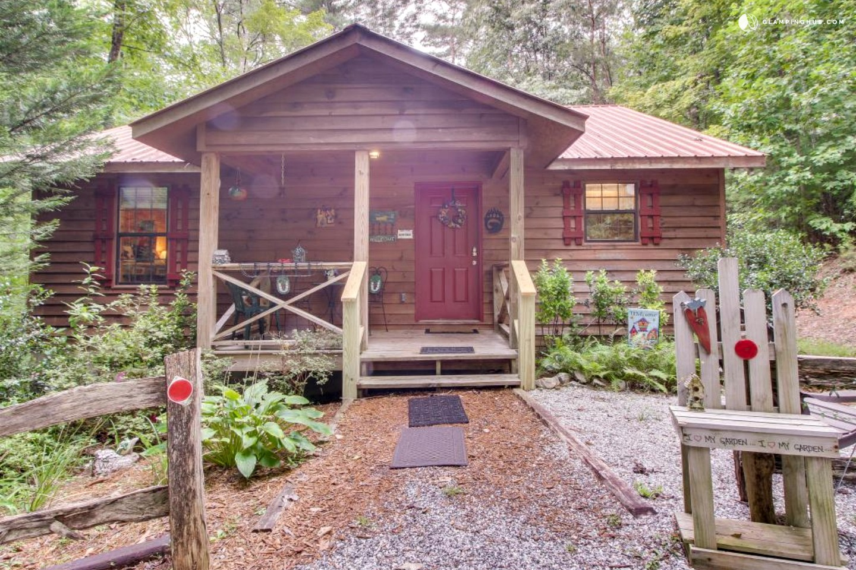 Mountain cabin retreat near helen georgia for Helen luxury cabin rentals